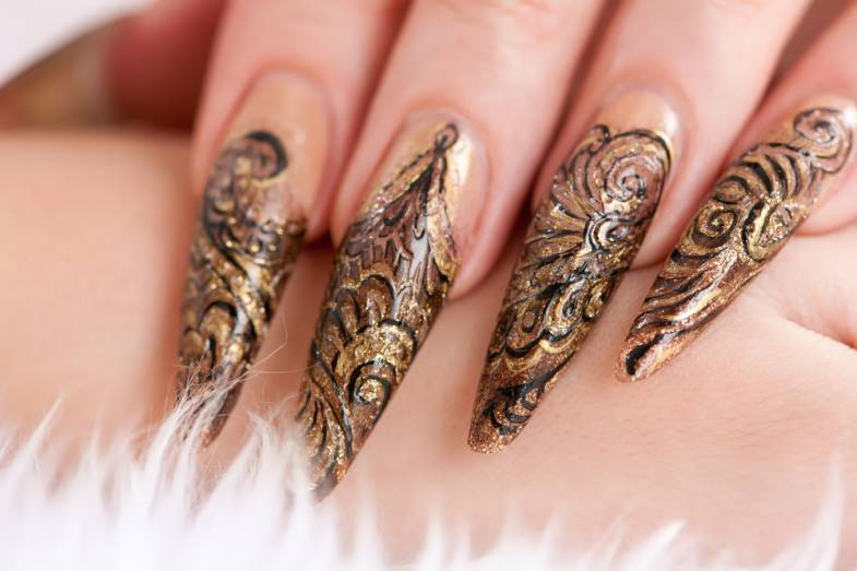 stiletto nails mit gold Stiletto Nails mit Gold